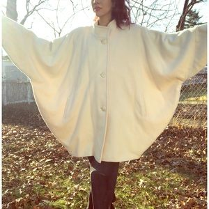 Vintage Batwing Cocoon Off-White Wool Jacket Coat
